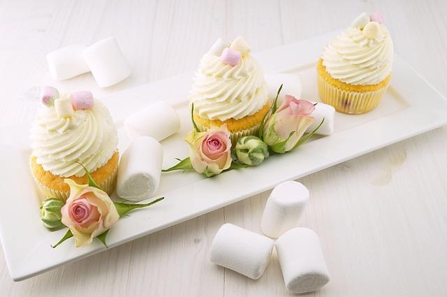 ホワイトデーに贈る、お菓子の意味にご注意【マカロン・キャンディ・マシュマロ】